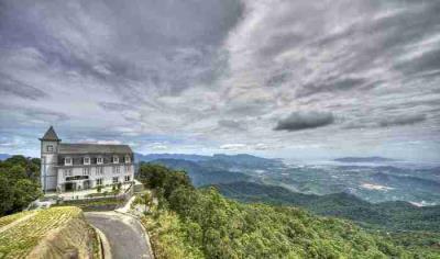 Vẻ đẹp tựa tiên cảnh của Bà Nà Hills - hòn ngọc khí hậu của Đà Nẵng