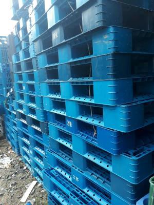 Pallet nhựa giá rẻ 0905681595 KT 1100x1100x120mm màu đen
