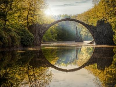 Những hình ảnh đẹp về 'cây cầu của quỷ' Rakotzbrücke ở Đức