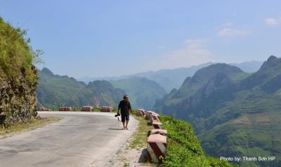 Đèo Mã Pí Lèng một trong những cung phượt hiểm trở bậc nhất Việt Nam dành cho các biker