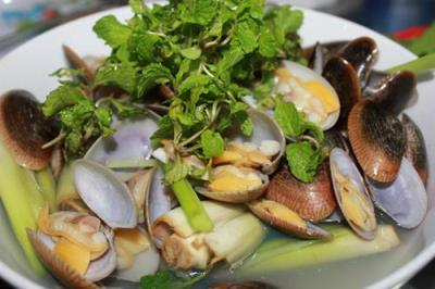 Eat seafood again and again in Da Nang