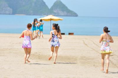 Để du khách có kỳ nghỉ ý nghĩa trên đảo Cát Bà