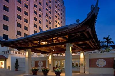Trải nghiệm độ sang trọng trong 13 khách sạn bậc nhất Hà Nội.