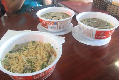 Nhà hàng ở Nội Bài phải đóng cửa vì bát mì 100.000 đồng