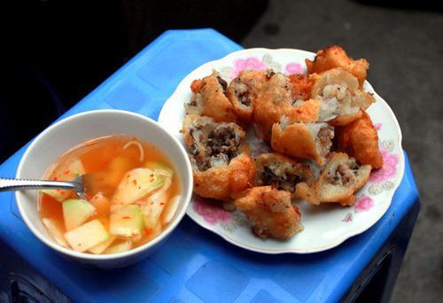 Hấp dẫn món ăn vặt vỉa hè Hà Nội