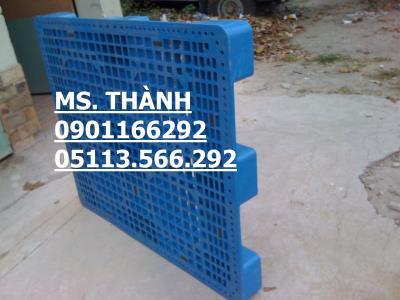 Pallet nhựa huế đà nẵng 1000x600x100.mới 98% giá 250k. lh 0901166292