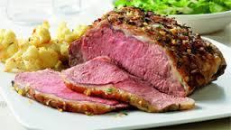 Món lạ: Thịt tái bò kiến đốt