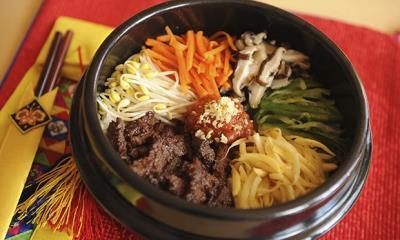 Hô biến món cơm trộn Bibimbap Hàn Quốc !