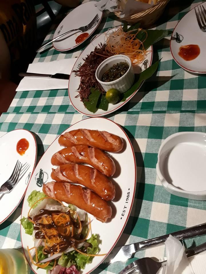 Góc khen - Olearys Bà Triệu với món sét sườn ấn tượng