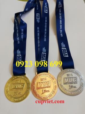 Huy chương thể thao,bán huy chương bóng đá, huy chương quà tặng, đúc huy chương theo yêu cầu