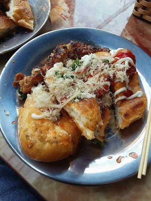 [góc khen dạo] Bánh mì nướng muối ớt - 5 hàng chĩnh