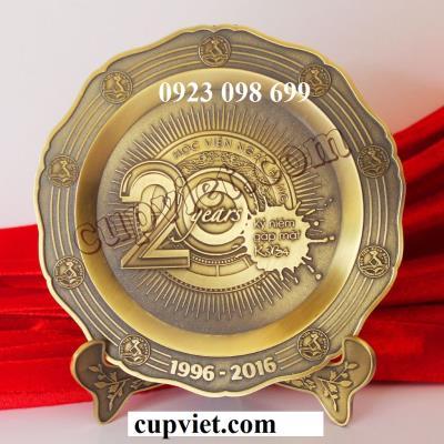 Sản xuất đĩa đồng truyền thống