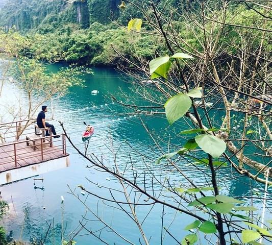 Mê mẩn đến từng centimet trải nghiệm tại suối Nước Moọc - Quảng Bình