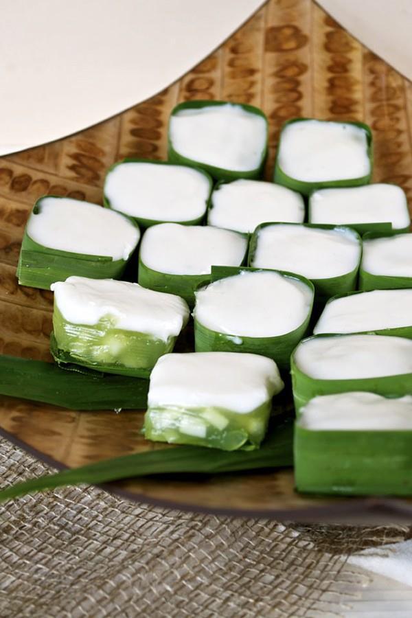 Hướng dẫn làm món bánh thạch dừa củ năng Tako Haew – món ăn vặt siêu ngon của Thái