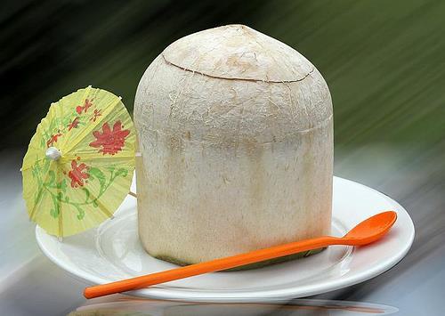 Ăn thạch dừa ngon nhất Hà Nội